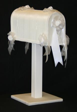 Mailbox with Satin White Card Holder